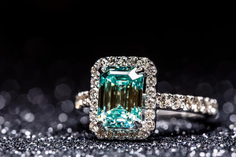 Fine Jewelry With Diamonds and Aquamarine Gem